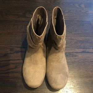 Women's suede boots size 8